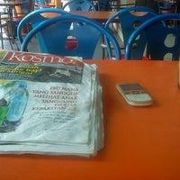 Photo taken at Restoran Nawas Maju by Ahmad L. on 10/26/2012