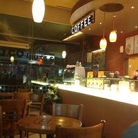 Photo taken at J.CO  Donuts & Coffee by Kiki A. on 11/16/2012
