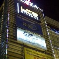 Photo taken at 1 Plaza by ara c. on 10/27/2012