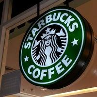 Photo taken at Starbucks by Kazimeikato E. on 11/1/2012
