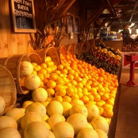 Photo taken at Stew Leonard's by Mayuri R. on 10/21/2012
