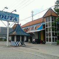 Photo taken at Rumah Makan Duta 1 by De J. on 11/17/2012