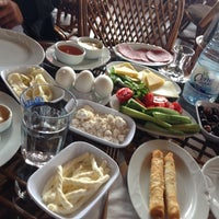 Photo taken at Madalyalı Restaurant by Irfan T. on 4/27/2014