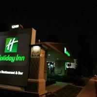 Photo taken at Holiday Inn Hotel & Suites Anaheim (1 Blk/Disneyland®) by Julio I. on 12/16/2012