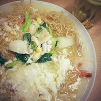 Photo taken at Restoran Kayu Manis by Lorena R. on 2/20/2013