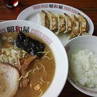 Photo taken at らーめん昭和屋 扇町店 by Yasuyuki S. on 8/21/2014