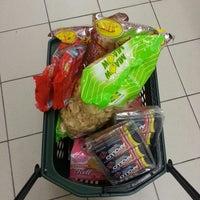 Photo taken at Giant Supermarket by n u r u l  i z z a 🐝 on 11/6/2014