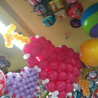 Photo taken at Globos y Figuras by lorenaguil on 1/16/2016