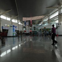 Photo taken at Chaudhary Charan Singh International Airport (LKO) by Ansh s. on 4/24/2013