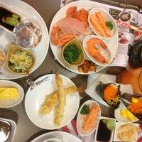 Photo taken at Oishi Buffet by Chakree C. on 2/28/2013