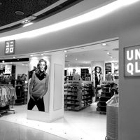 Photo taken at UNIQLO by 陳杰倫 (. on 1/21/2013