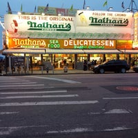 Photo taken at Nathan's Famous by Gary G H. on 8/6/2013