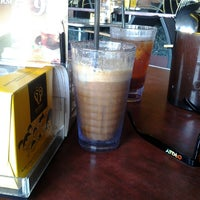 Photo taken at OldTown White Coffee by mohamad syaiful rizan h. on 11/26/2013