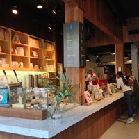 Photo taken at Blue Bottle Coffee by Iris L. on 5/10/2013