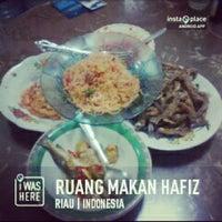 Photo taken at Ruang Makan Hafiz by Muhammad H. on 2/8/2013