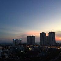 Photo taken at Jomtien View Talay  Condominiums Pattaya by Tawan M. on 4/5/2015