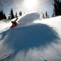 Photo taken at Mammoth Mountain Ski Resort by orangecounty.com on 2/10/2012