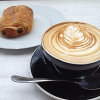 Photo taken at Bonanza Coffee by Dani on 9/11/2012