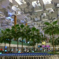 Photo taken at Changi Airport Terminal 3 by bc17ab on 4/28/2012