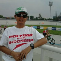 Photo taken at Velodrome Rawamangun by Misbahudin R. on 11/20/2011