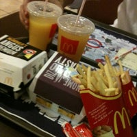Photo taken at McDonald's by Verônica C. on 4/9/2012