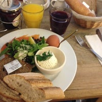 Photo taken at Le Pain Quotidien by Vita S. on 7/9/2014