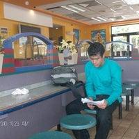Photo taken at Mc Donald's by Arq. Luismir T. on 10/31/2012