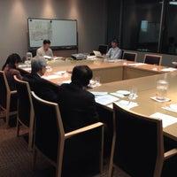 Photo taken at 萬來舎 by Hiroshi O. on 11/30/2013