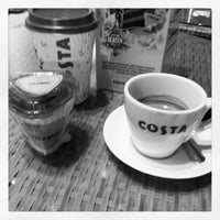Photo taken at Costa Coffee by Bin F. on 11/29/2012