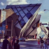 Photo taken at Royal Ontario Museum by Luis A. on 7/1/2013