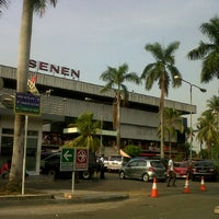 Photo taken at Pusat Grosir Senen Jaya by Rendy P. on 11/10/2012