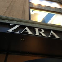 Photo taken at Zara by ᕼᗩᑎIᑎ ᑎ. on 3/5/2013