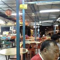 Photo taken at Lee Heng Restaurant by Ivan H. on 2/12/2013