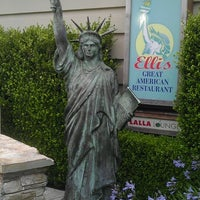 Photo taken at Elli's Great American Restaurant by Diamand D. on 6/7/2013