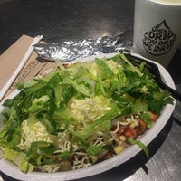 Photo taken at Chipotle Mexican Grill by Cynthia H. on 8/29/2016