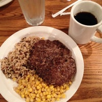 Photo taken at Cracker Barrel Old Country Store by Kelvin W. on 8/6/2014