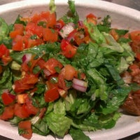 Photo taken at Chipotle Mexican Grill by Roselyn G. on 12/12/2012