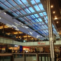 Photo taken at Westfield Stratford City by Hamz N. on 11/25/2012