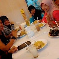 Photo taken at D'Cost by Uyyiend N. on 1/1/2015