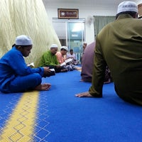 Photo taken at Surau Al Hidayah Seksyen 2 BMC by Khairul Z. on 9/5/2014