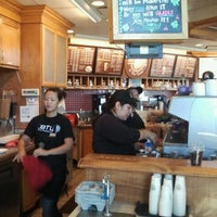 Photo taken at The Coffee Bean & Tea Leaf® by Cari-loo S. on 10/14/2012