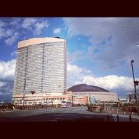 Photo taken at Hilton Fukuoka Sea Hawk by Manami T. on 12/8/2012