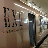 Photo taken at 小田急 新宿駅 2-3番線ホーム by Zhiwen Y. on 6/14/2013