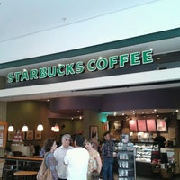 Photo taken at Starbucks by Matheus F. on 11/16/2012