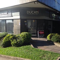 Photo taken at Imobiliária Ducati by Paulo M. on 5/14/2015