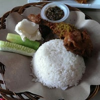Photo taken at Ayam Lepaas by Michel Alexandre S. on 12/24/2013