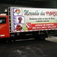 Photo taken at Mercadão Das Flores by Marcilio L. on 11/1/2013