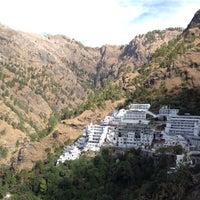 Photo taken at Shri Mata Vaishno Devi Shrine | श्री माता वैष्णो देवी मंदिर by Deepesh A. on 12/6/2012
