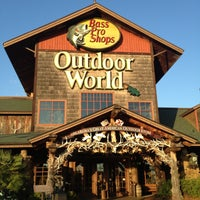 Photo taken at Bass Pro Shops Outdoor World by Lori W. on 4/29/2013