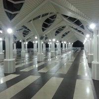 Photo taken at Masjid Asy-Syakirin by qeemdagreat m. on 1/29/2013